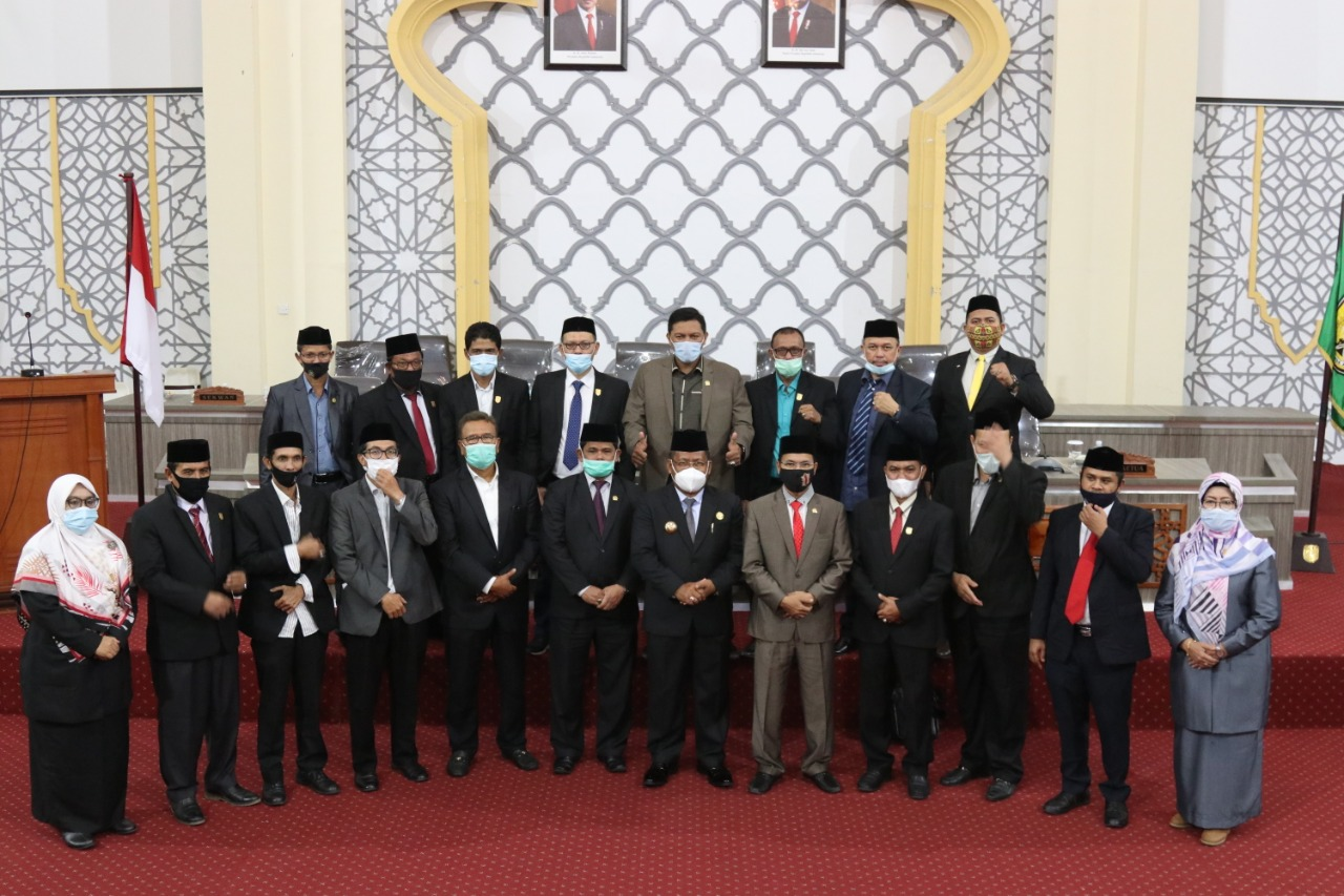 Disetujui oleh Seluruh Fraksi, DPRK Banda Aceh Sahkan APBK Tahun 2021