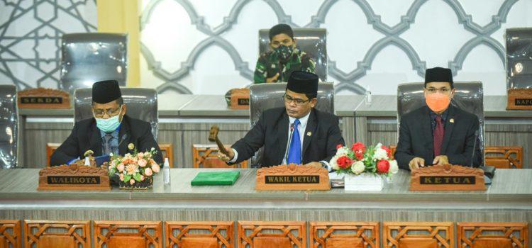 [FOTO]: Rapat Paripurna Penyampaian Rekomendasi terhadap LKPJ Wali Kota Banda Aceh Tahun 2020