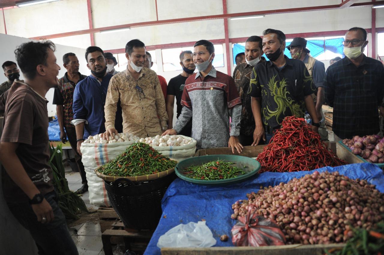 Banggar DPRK Tinjau Pasar Al-Mahirah Memastikan Aktivitas Perdagangan Lancar