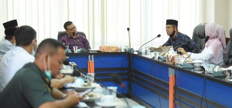 [FOTO]: Komisi I Gelar Rapat Pembahasan Regulasi Penyelenggaraan Tempat Hiburan