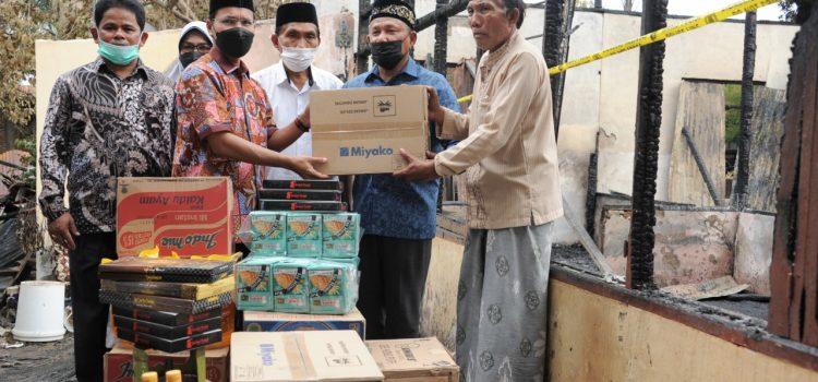 DPRK dan Pemko Salurkan Bantuan Masa Panik pada Korban Kebakaran di Beurawe