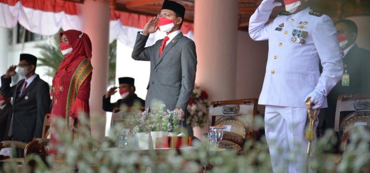 [FOTO]: Ketua DPRK Ikuti Upacara Penurunan Bendera Merah Putih HUT Ke-76 RI
