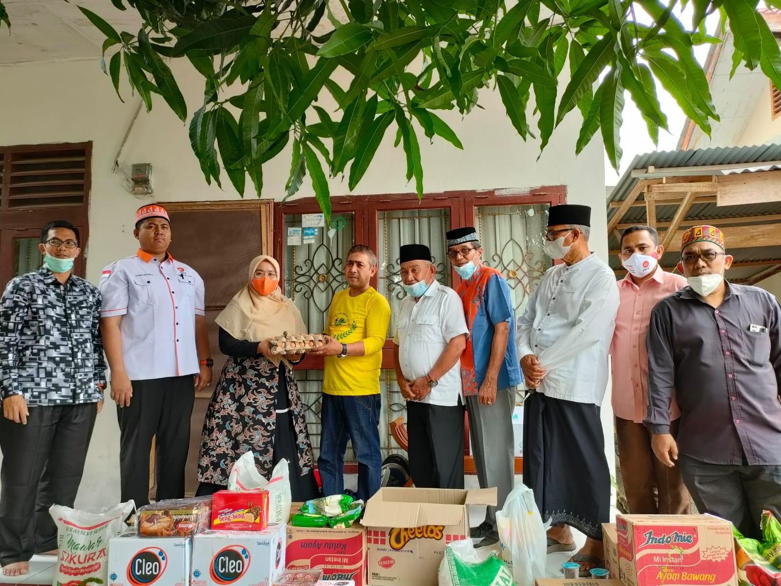 Fraksi PKS Salurkan Bantuan untuk Korban Kebakaran di Gampong Pineung